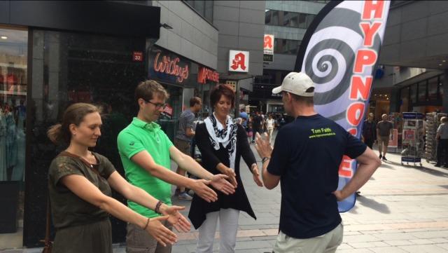 Straßenhypnose auf dem Heinerfest